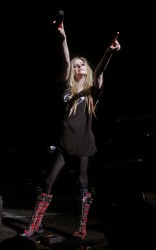 Аврил Лавин, фото 13857. Avril Lavigne Q102 Jingle Ball 2011 in Philadelphia (7.12.2011)*same IB gallery as above, foto 13857,