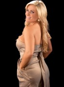 Natalya Neidhart: September 8th, 2010 &amp;quot;Golden Girl&amp;quot; Diva Focus (x9 Pics)
