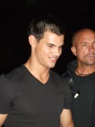 Taylor Lautner on the set of 'Abduction' 8c377298523236